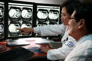 Специалисты в области онкологии