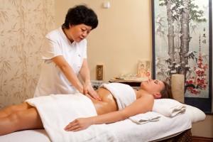 Точечный массаж при лечении ЖКТ